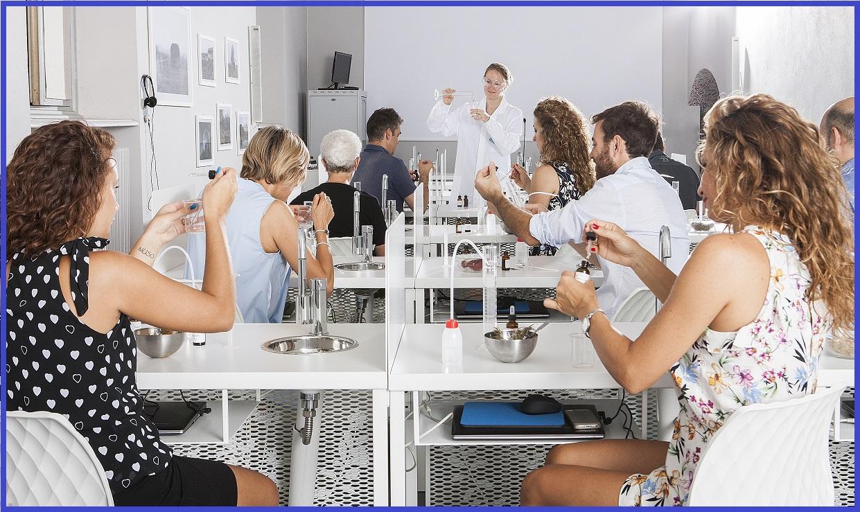Workshop per introdurre il mondo della profumeria